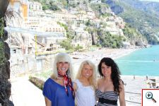 Jenny, Amber & Jill walking to the private beach in Positano