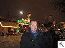 Nick with Frauenkirche behind him